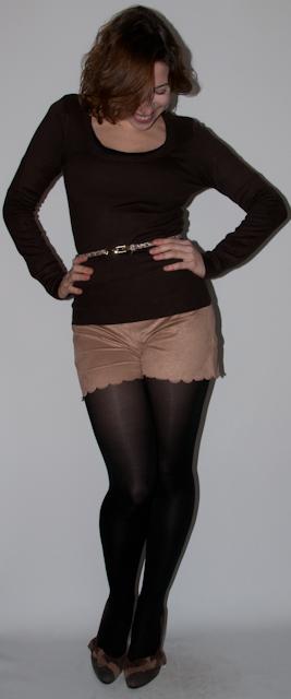 Look do dia: como usar short com meia calça, preto com marrom. Blog de moda. Short de camurça