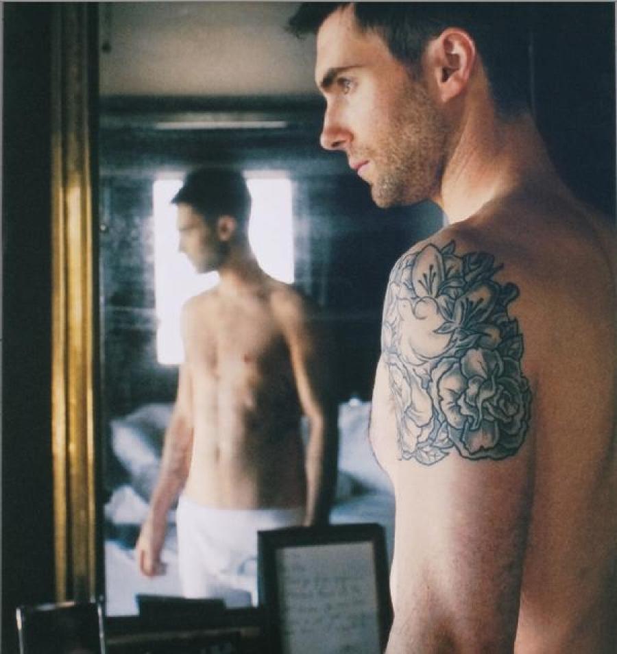 Homens mais bonitos do ano: Adam Levine, homem bonito