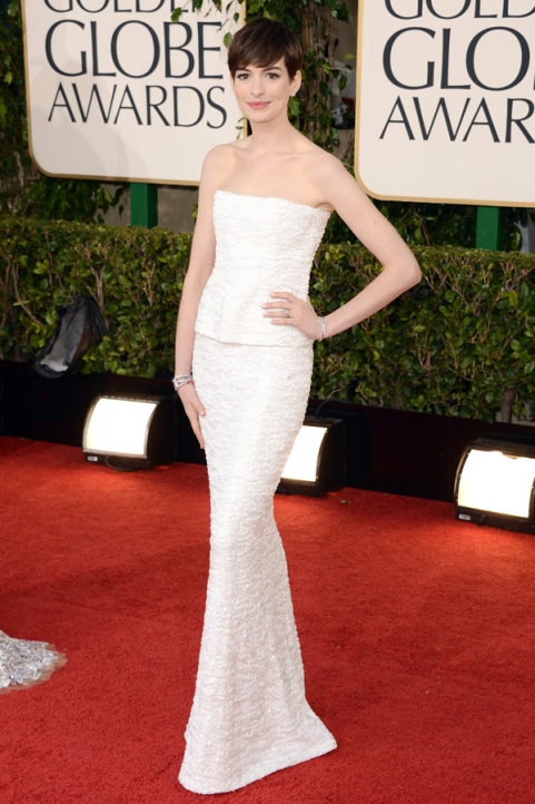 Tapete Vermelho Golden Globes 2013 - Anne Hathaway - Chanel Couture - blog de moda