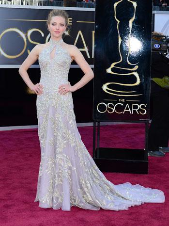 Tapete vermelho - looks Oscar 2013 - Amanda Seyfried - Alexander McQueen
