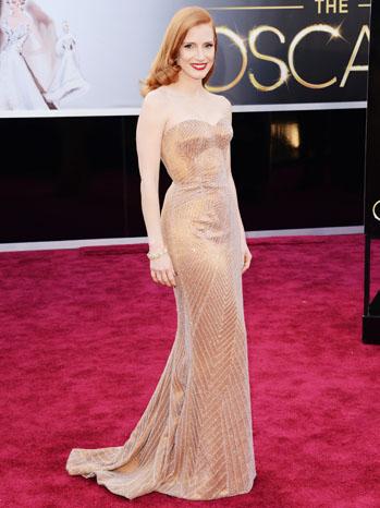 Tapete vermelho - looks Oscar 2013 - Jessica Chastain Armani Prive
