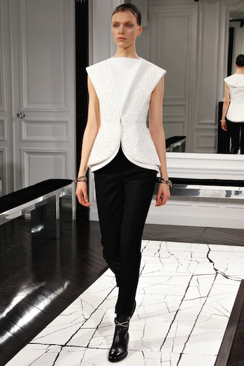 Desfile Balenciaga - Paris Fashion Week RTW 2013 - notícias de moda